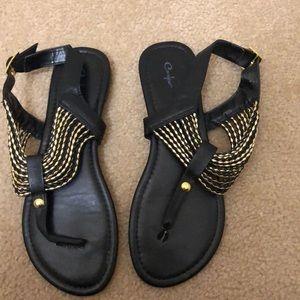 Curfew Black/Gold Sandals Size 9